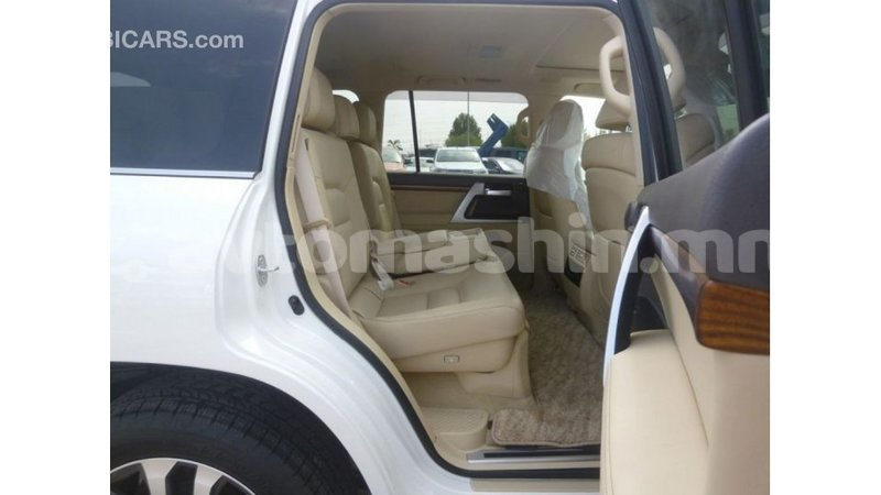 Big with watermark toyota land cruiser arhangaj import dubai 2334