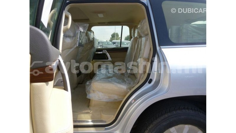 Big with watermark toyota land cruiser arhangaj import dubai 2700