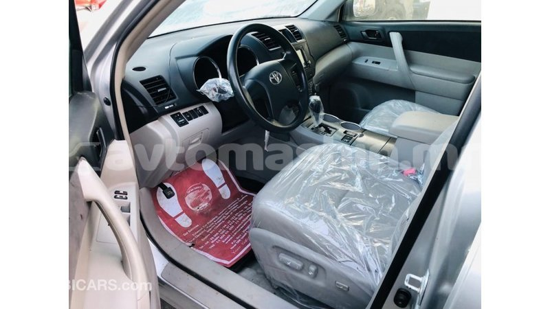 Big with watermark toyota highlander arhangaj import dubai 3811